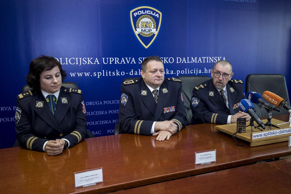 Policijsko druženje putem interneta