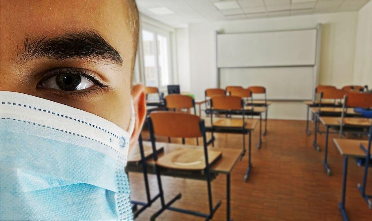 Danima je s roditeljima sjedio ispred škole za vrijeme nastave, sada je učenik iz Krapinskih Toplica ipak ušao u školu